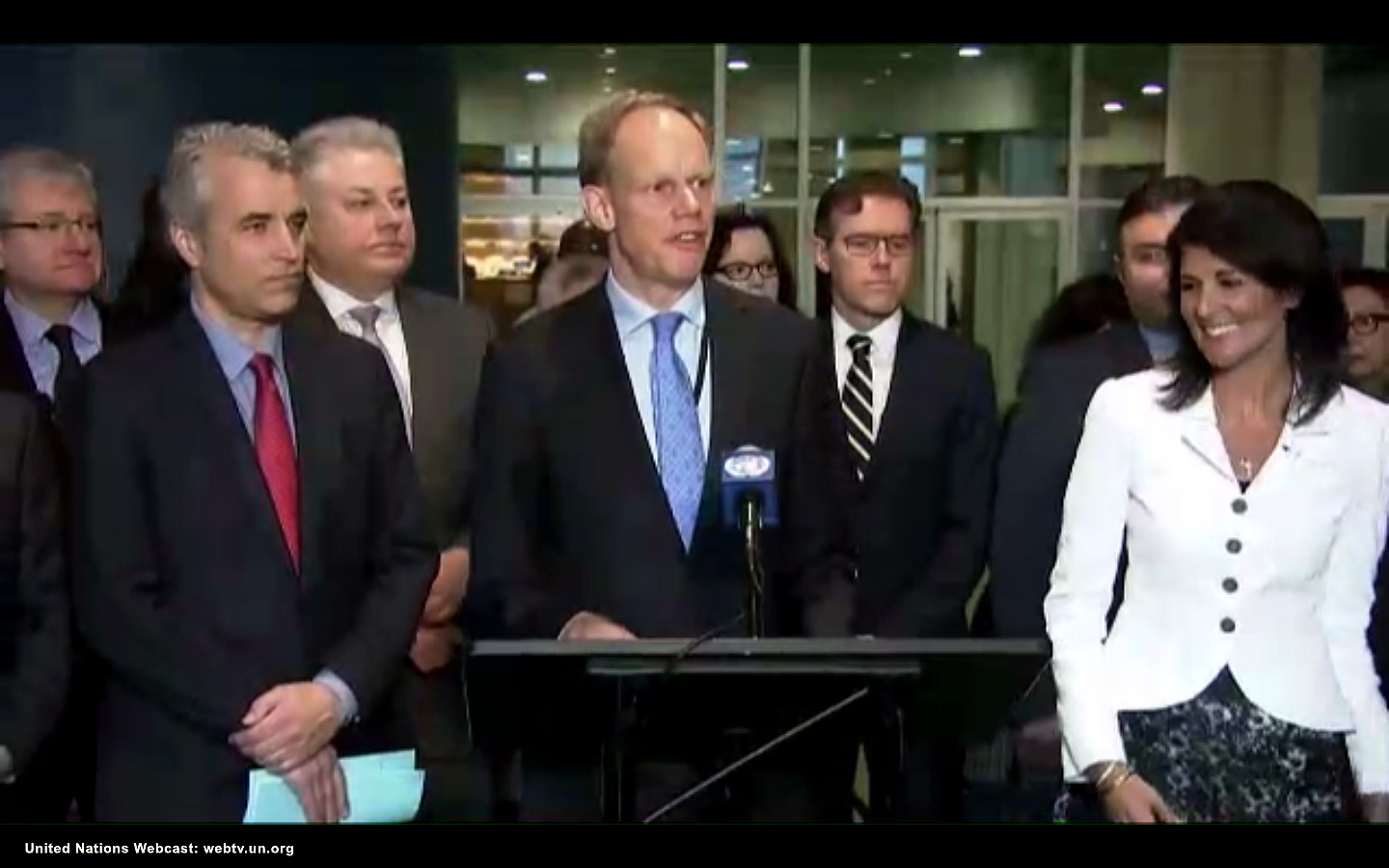 Matthew Rycroft, UK Ambassador to the UN stands beside US Ambassador to the UN Nikki Hayley at a press conference to protest the opening day of the UN Ban Treaty Negotiations, March 2017.